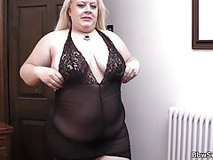 Thick udders blond gives..